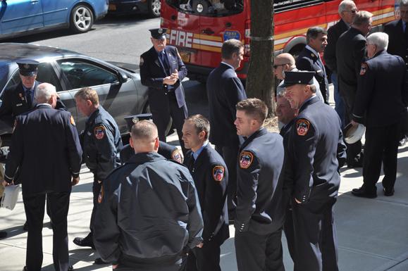Firemen_outside