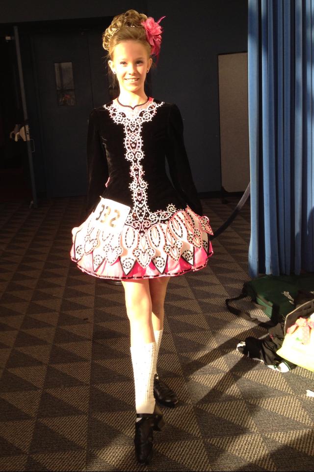 Amanda Powers prepares for her performance.