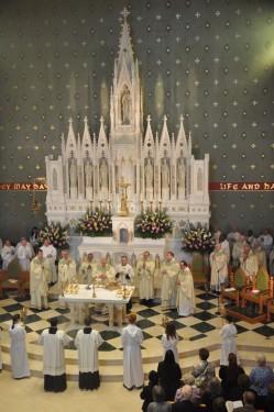 altar full