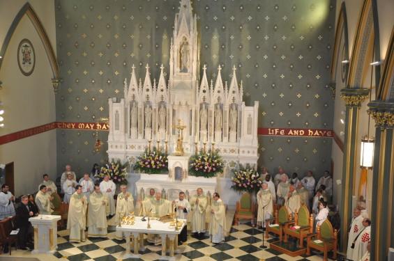 round full altar