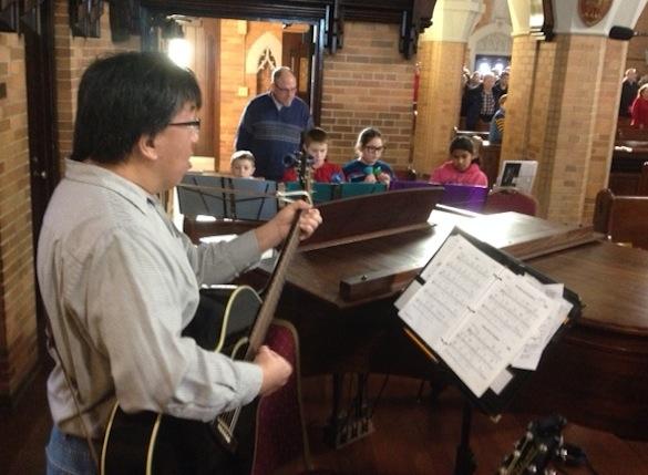 Sam Foo performs at IHM Church.