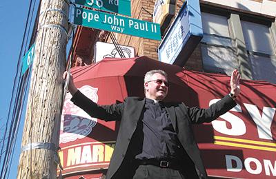 Father Mroziewski unveiling Pope John Paul II Way