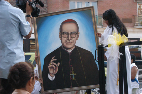 After Archbishop Escobar Alas blessed a painting of Blessed Romero brought from El Salvador, the image was placed in a truck to process around the streets of Jamaica.