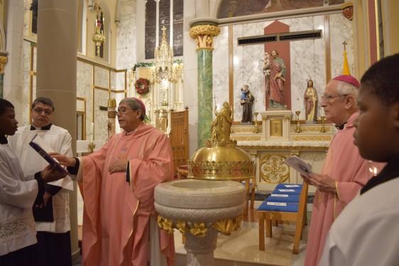 OL-Mt-Carmel-baptismal-font-DSC_0178