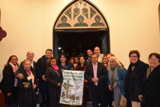 OL-Mt-Carmelholy-door-St-Teresa-pilgrims-DSC_0418