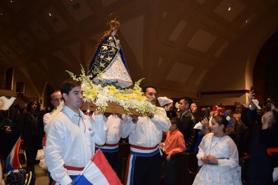 procession with statue_DSC_1604