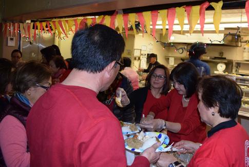 OL-Lourdes-after-mass-food-DSC_1178