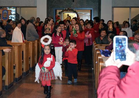 Santo-Nino-procession-children