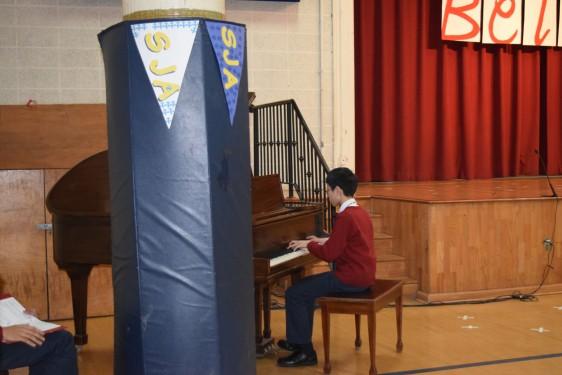 SAJ-Ming-playing-piano-DSC_0079