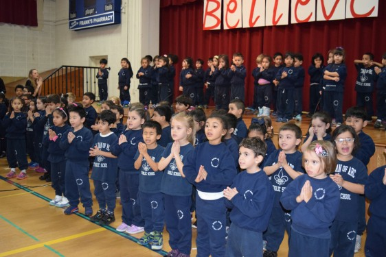 SAJ-Pre-k-leading-prayer-DSC_0933