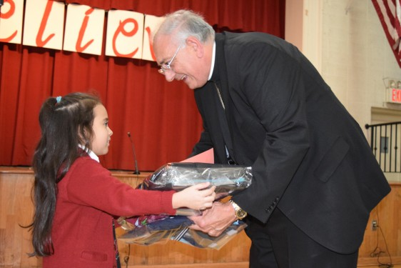 _SAJ-bishop-gifts-DSC_0129