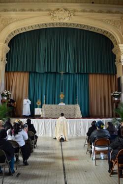 adoration at McCaddin opera house_-DSC_0875
