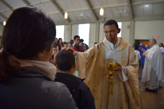 communion blessing_-DSC_0463