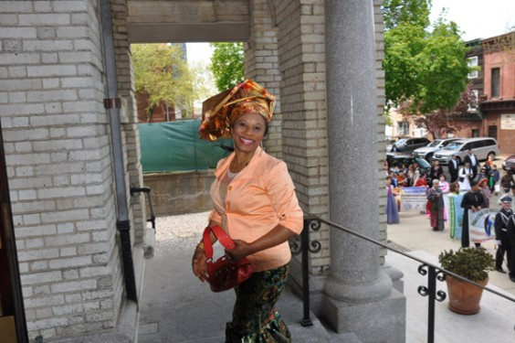 Nigerian-woman-outside