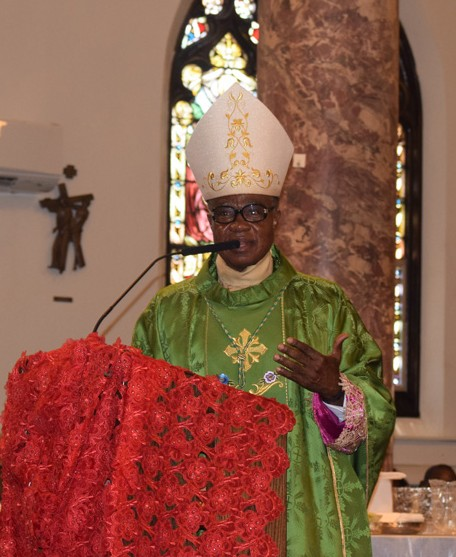 Onitsha Archbishop Valerian Maduka Okeke visited the Nigerian community at St. Clement Pope Church. He focused his homily in the mercy of God.