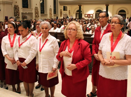 p On the feast of the Sacred Heart of Jesus, Auxiliary Bishop Octavio Cisneros celebrated Mass and presided over the consecration of new members of the Confraternity of the Sacred Heart at St. James Cathedral, Downtown Brooklyn, June 3.