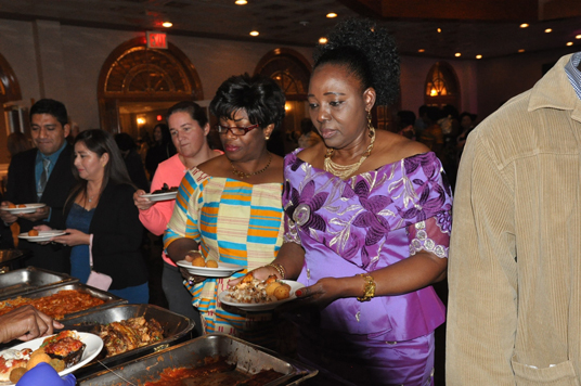 africans-at-buffet