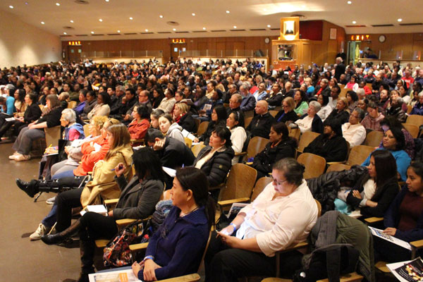 "p Nearly 900 people attended the Diocesan Evangelization Congress held at St. Francis Prep in Fresh Meadows. The day offered an in-depth look at the papal exhortation ""Amoris Laetitia."" (Photos: Maria-Pia Negro Chin)"