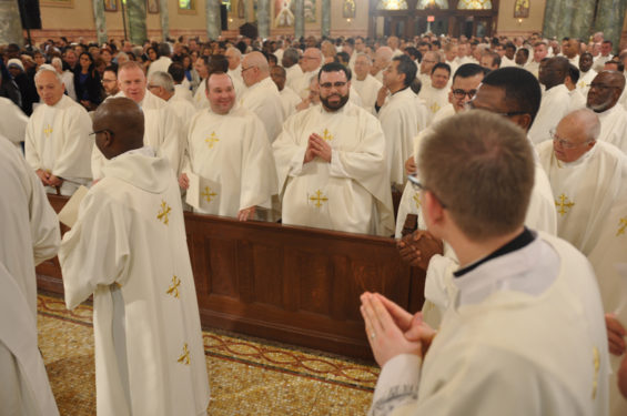 deacons-pass-priests-Chrism-mass-2017