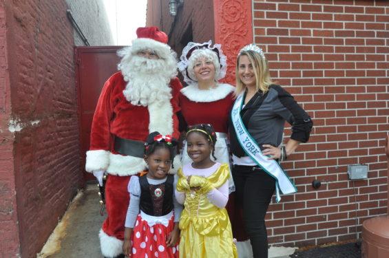 * Santa, Miss NY snd kids