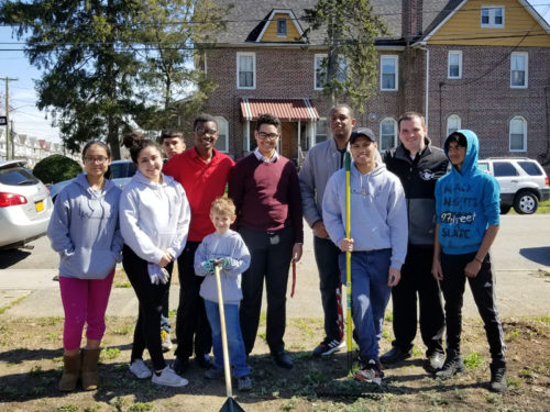 Youth group members at Incarnation, Queens Village, spent Earth Day cleaning the streets close to their parish. (Photos: Rose Ruesing)