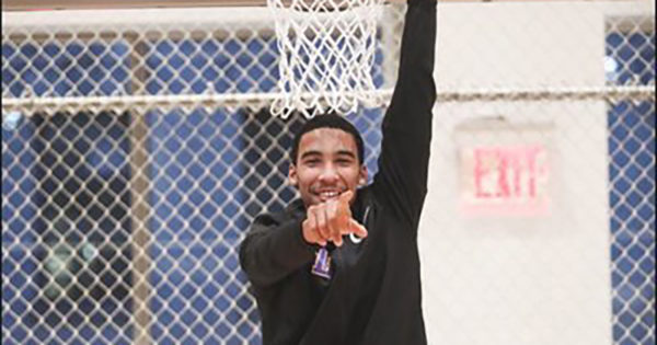 Bishop Loughlin H.S., Fort Greene, basketball standout Julian Champagnie has decided to continue his hoops career right here in the Big Apple at St. John's University, Jamaica.