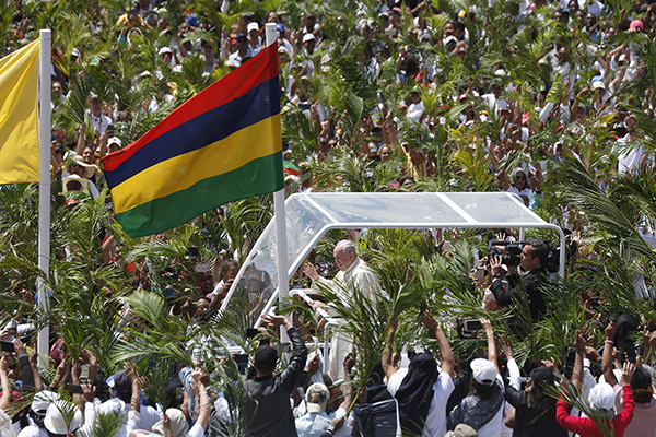Pope Calls on Mauritius to Welcome and Protect Migrants - The Tablet