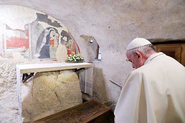 Pope Urges Display of Nativity Scenes in Both Public and Private - The Tablet
