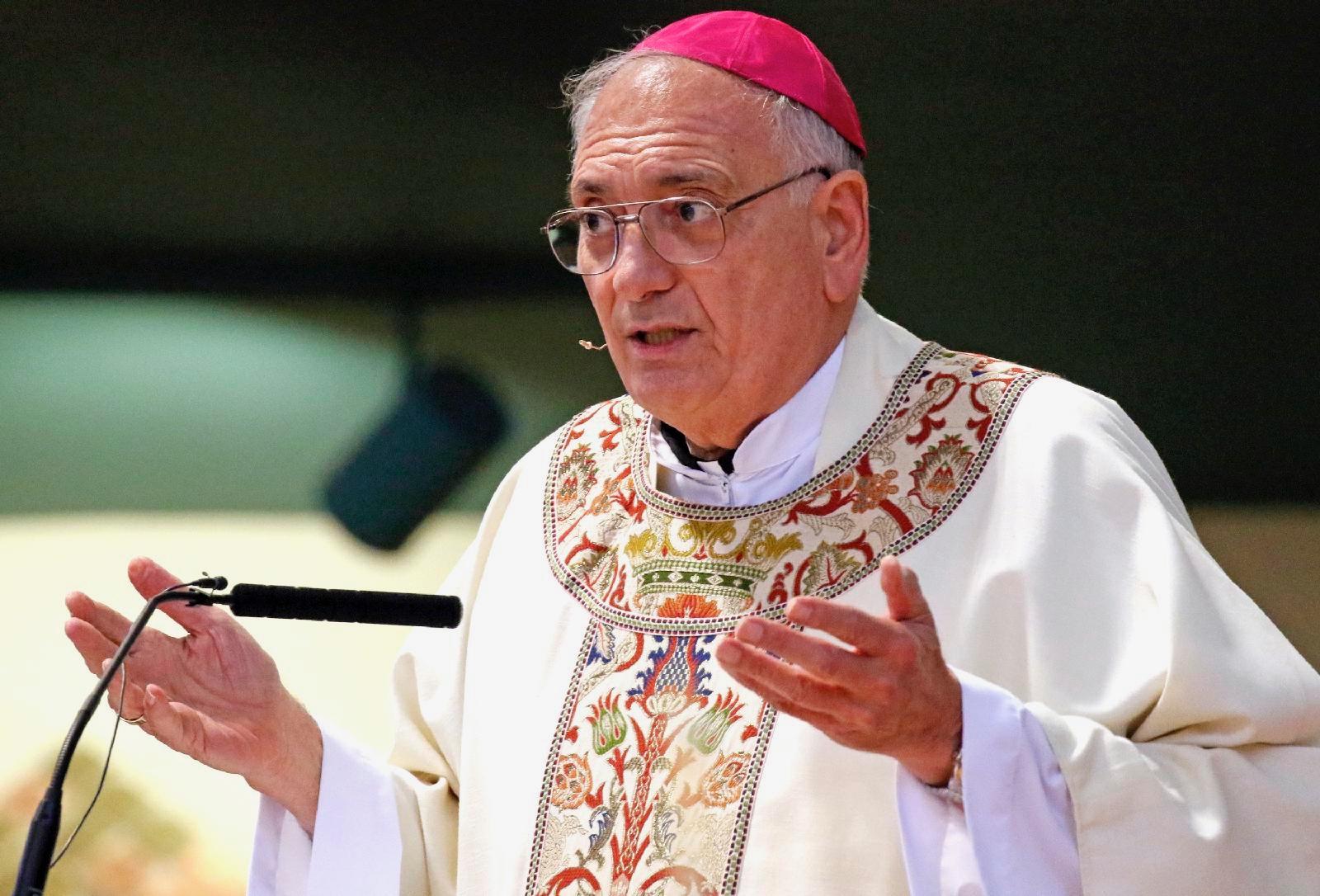 El obispo DiMarzio